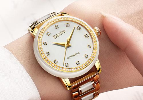 翡翠手表材质